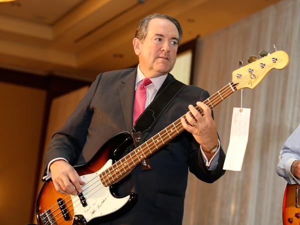 Mike-Huckabee-bass-player